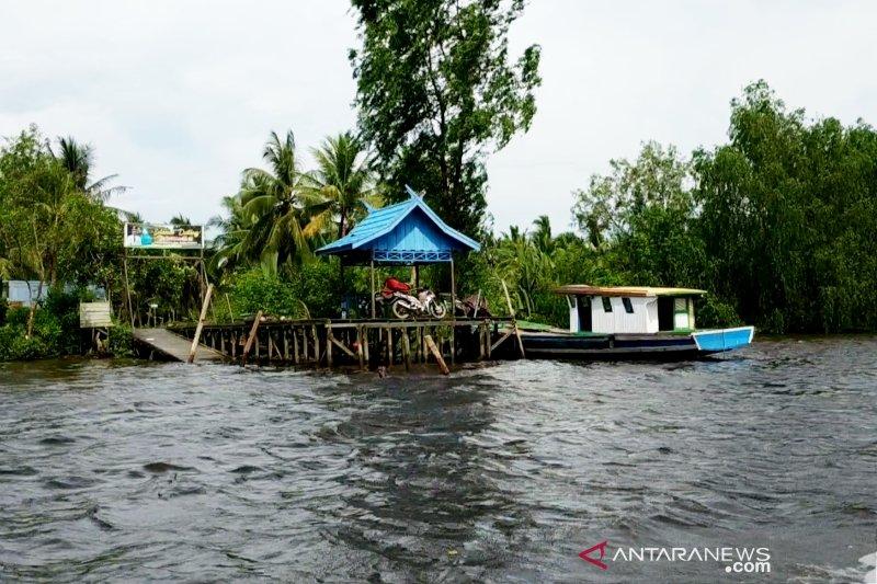 Kecepatan kapal diduga picu erosi bantaran Sungai Mentaya
