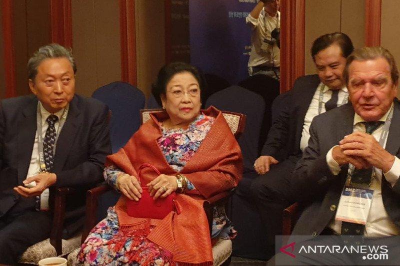 Megawati dan mantan pemimpin dunia berbincang soal pemindahan ibu kota