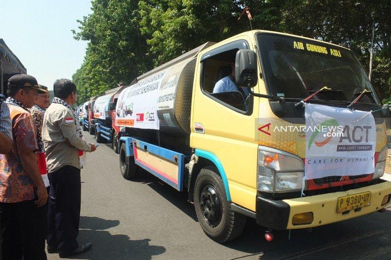ACT Jember distribusikan air bersih di daerah kekeringan