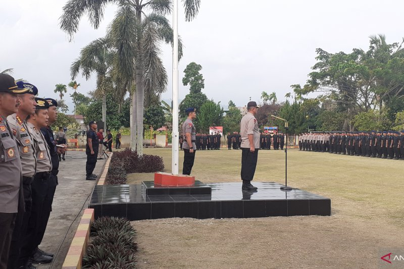 Wakapolda Sumbar minta personel Brimob jaga citra kepolisian di Papua