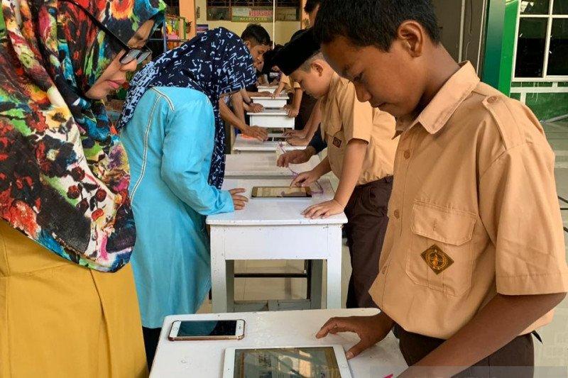 Pemilihan Ketua Osis SMP 6 Makassar  gunakan e-voting