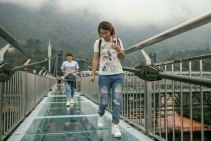 Jembatan kaca 250 meter  dibangun di Air Terjun Temam Lubuklinggau