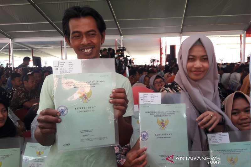 Presiden Jokowi persilakan sertifikat dijaminkan ke bank kalau yakin