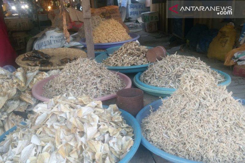 Harga ikan asin melampaui harga daging ayam