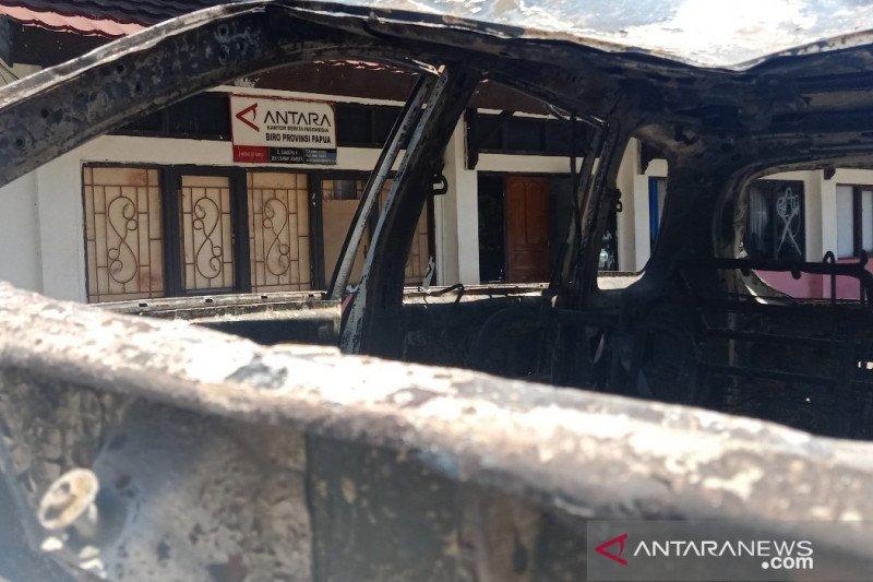 Papua Terkini - LKBN ANTARA Biro Papua terkena dampak demo anarkis