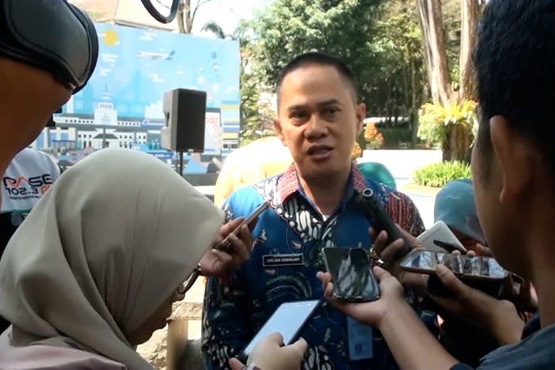 Dispangtan Kota Bandung imbau pembagian daging kurban gunakan besek