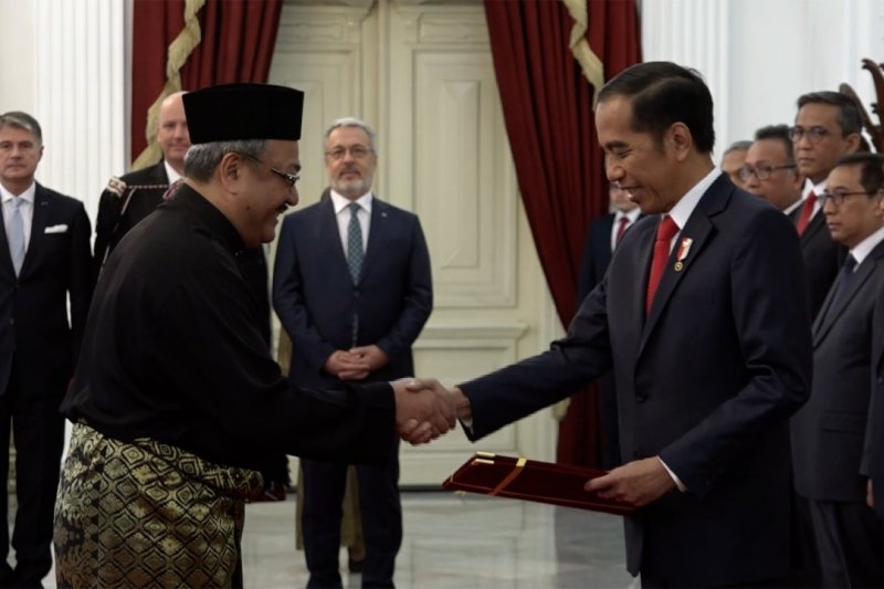 Presiden terima surat kepercayaan 12 Dubes negara sahabat