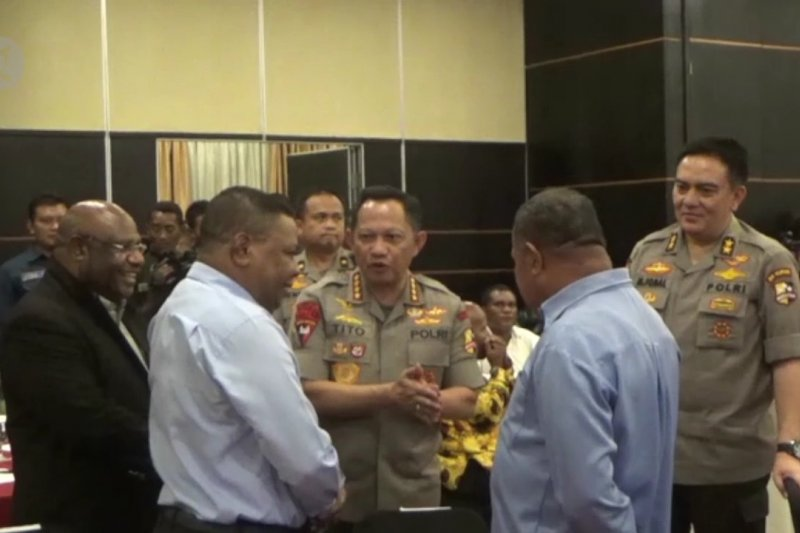 Kapolri temui para tokoh Papua cari solusi damai