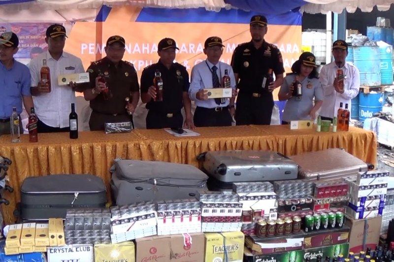 Bea Cukai Batam musnahkan barang sitaan senilai Rp.1,6 miliar