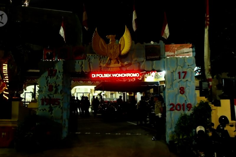 Polsek Wonokromo Surabaya diserang, polisi jadi korban