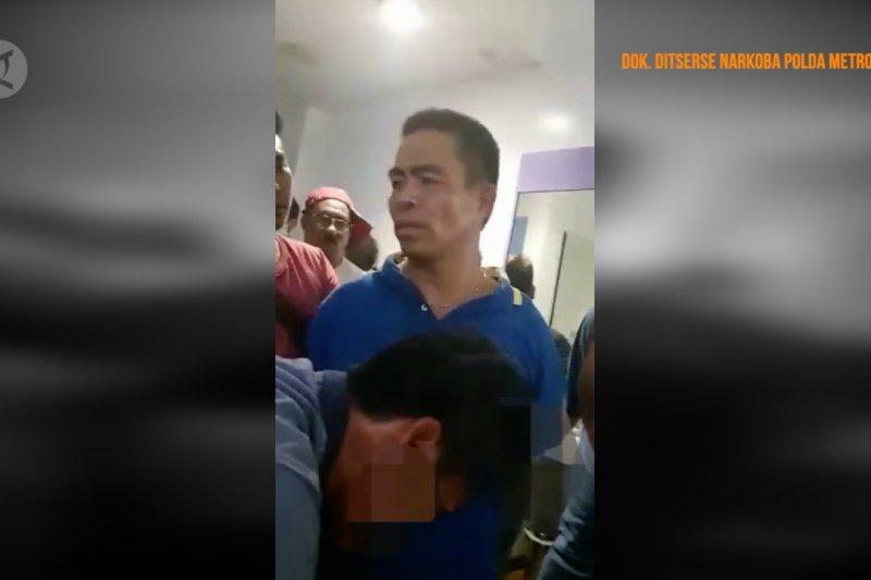 Polda Metro Jaya tangkap Umar Kei di kamar hotel