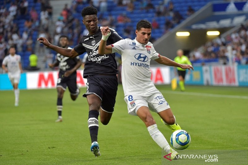 Sepuluh pemain Lyon ditahan imbang Bordeaux 1-1