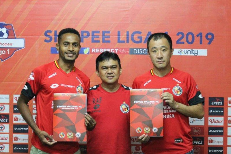 Semen Padang kontrak dua pemain baru untuk mengangkat tim dari zona degradasi