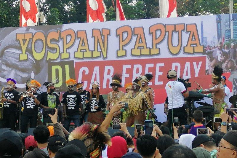 Warga Papua di Jakarta menggelar musik Yospan Papua jalin persatuan
