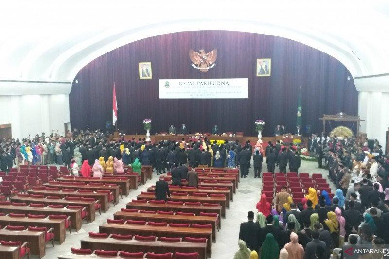 120 Anggota DPRD Jabar periode 2019-2024 resmi dilantik