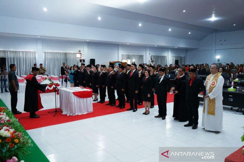20 Anggota DPRD Sitaro Periode 2019 -- 2024 Dilantik