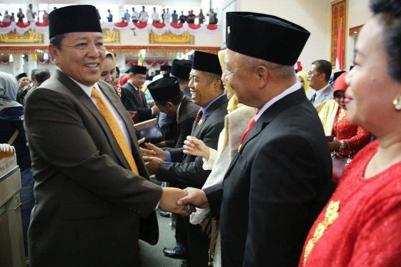 85 anggota DPRD Lampung resmi menjabat