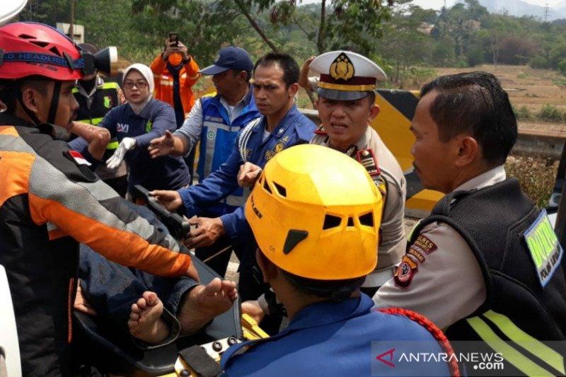 Kecelakaan maut Cipularang terjadi pukul 13.00 WIB