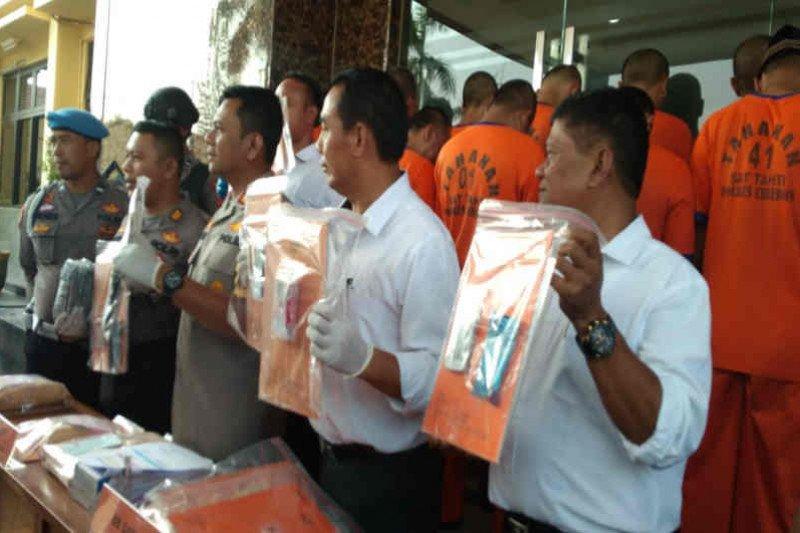 Polisi Cirebon tangkap 32 tersangka kasus narkoba