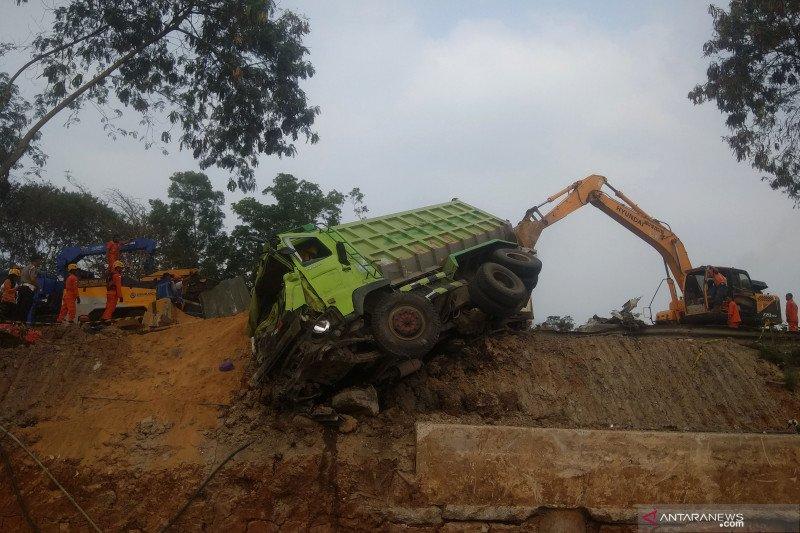 Ada 20 unit kendaraan dalam kecelakaan beruntun di jalur tol Purbaleunyi