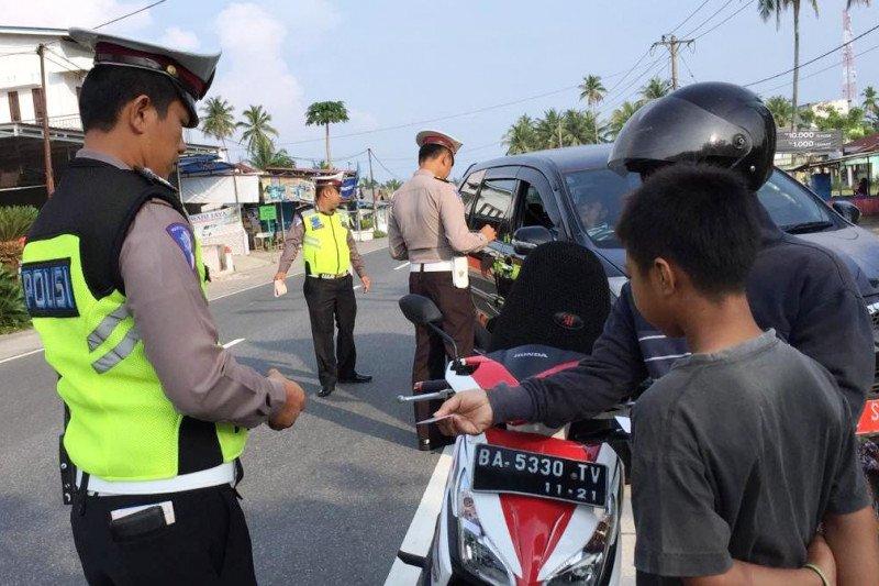 Operasi Patuh Singgalang - Polisi Agam: pengendara tanpa helm dan STNK dominasi pelanggaran