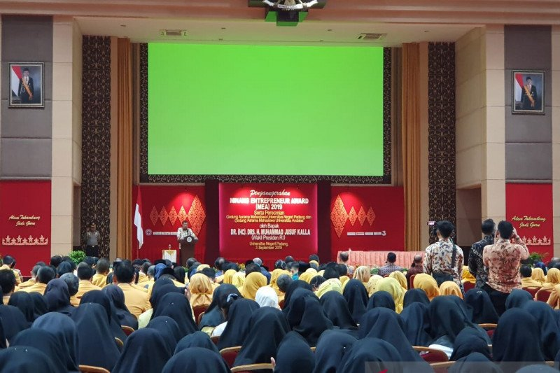 Wapres serahkan penghargaan Minang Entrepreneur Award