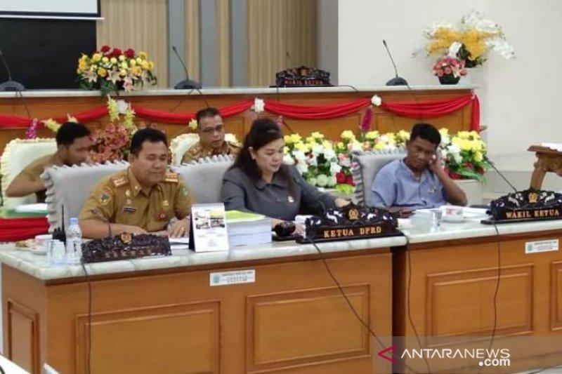 Ketua DPRD Poso sementara dijabat perempuan