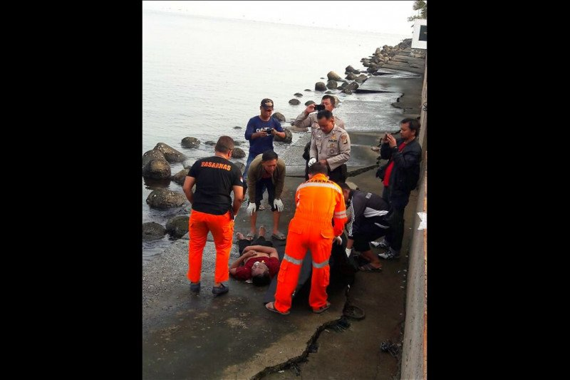 Polisi selidiki penemuan mayat di perairan Pantai Mutiara