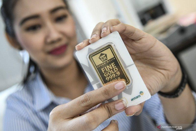 Harga emas Antam turun jadi Rp744.000