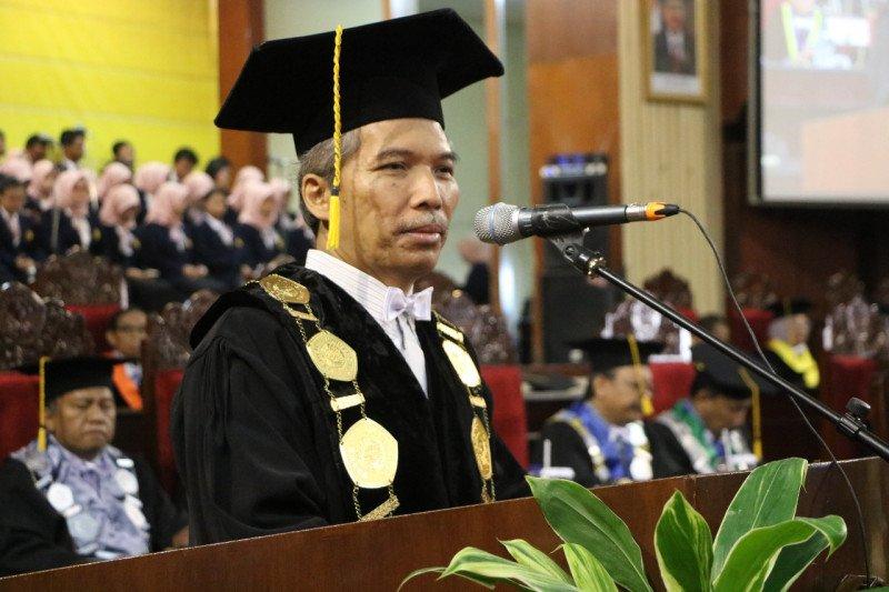 Rektor Unej apresiasi Dekan Fakultas Hukum masuk 10 besar capim KPK