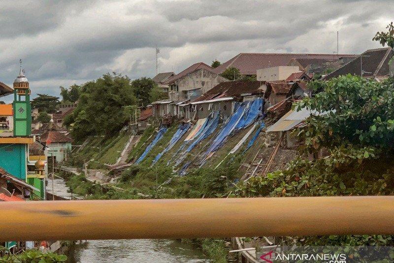 Perbaikan talut Sungai Code di Juminahan memasuki tahap konstruksi