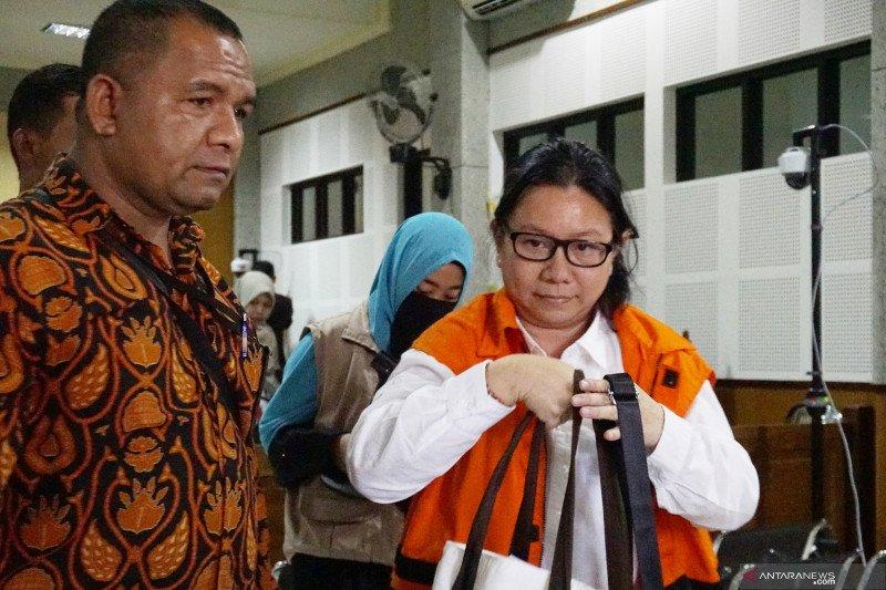 Terdakwa Liliana minta bantuan pejabat selesaikan kasus izin tinggal