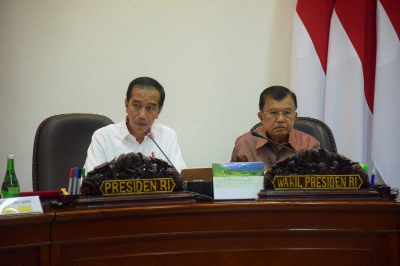 "Jokowi ingatkan Indonesia perlu ""payung"" antisipasi resesi ekonomi"