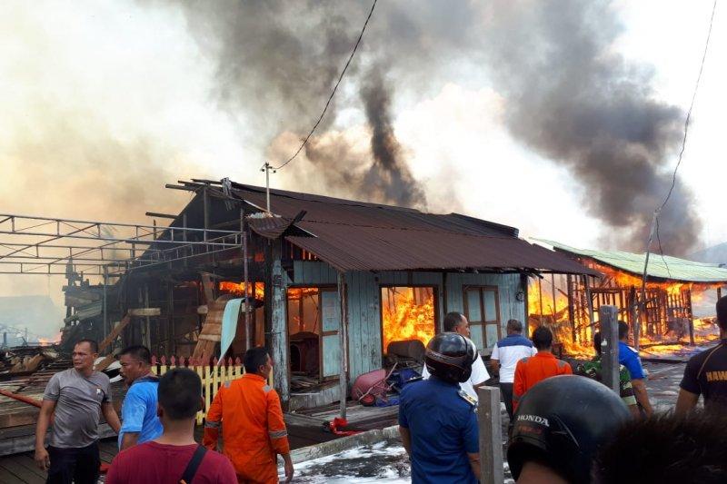 Kampung Tua Penagi terbakar