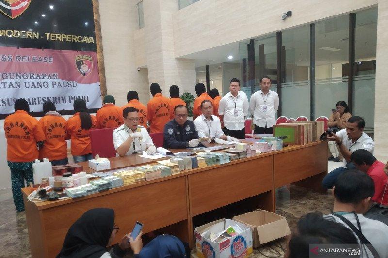Bareskrim Kepolisian Indonesia tangkap 10 tersangka kasus uang palsu