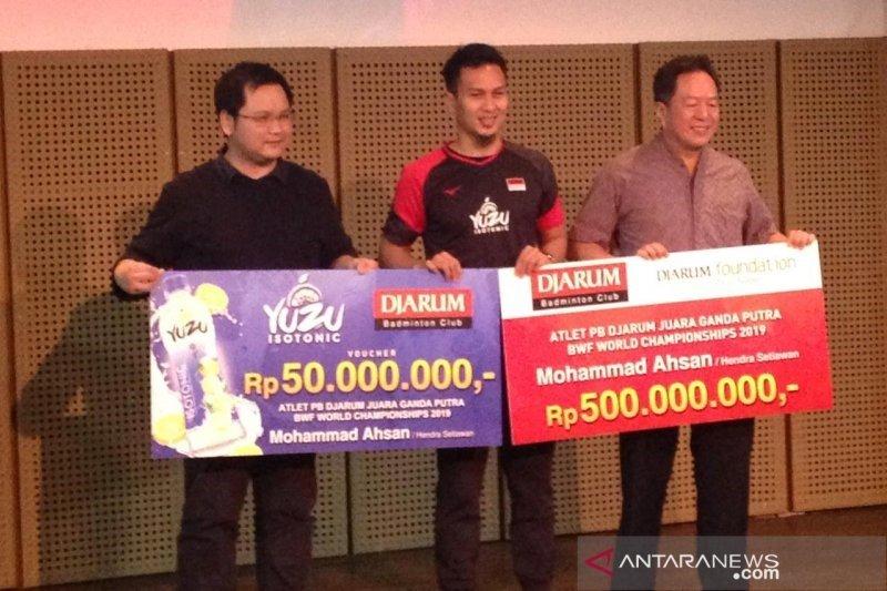 Pebulutangkis ganda putra Indonesia Mohammad Ahsan terima bonus Rp550 juta