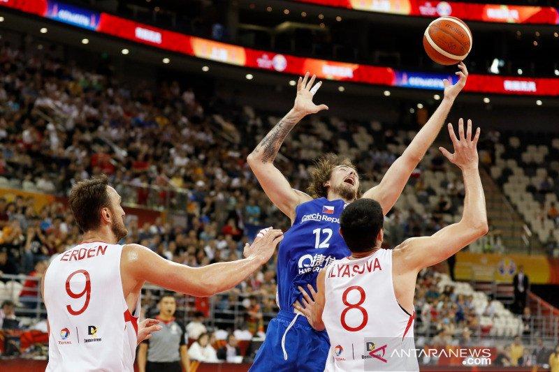 Para pemain Ceko tampil bak singa saat terkam Turki Piala FIBA