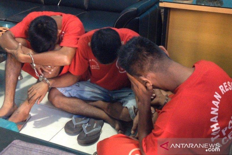 Curi mesin kilang padi milik desa, tiga pria ini ditangkap polisi