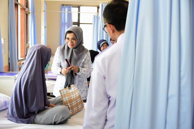 YKI Sulsel Beri Motivasi Pasien Kanker di RSUP Wahidin Makassar