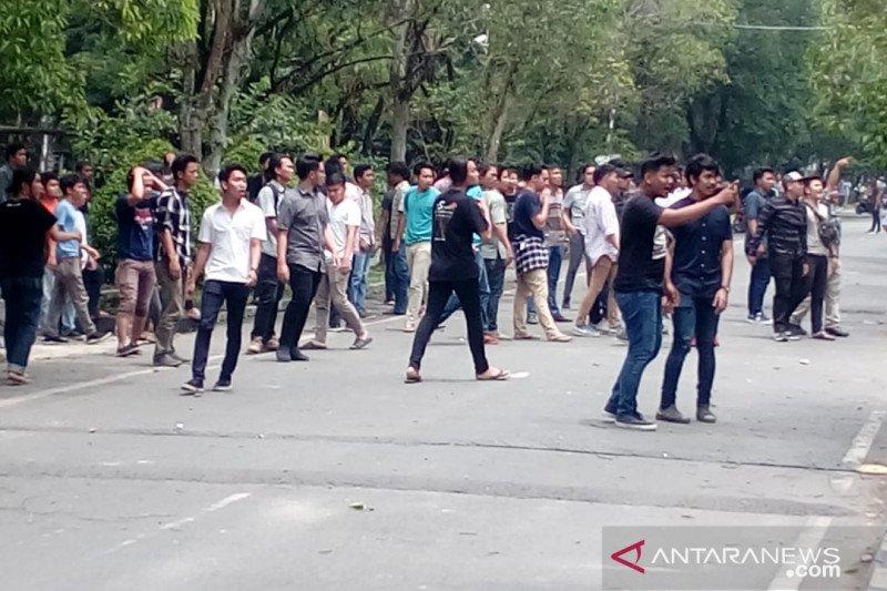 Mahasiswa USU tawuran, suasana kampus mencekam