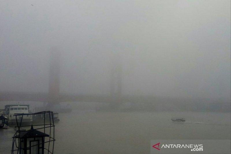 Kabut asap di Palembang  dipicu keberadaan 115 titik panas