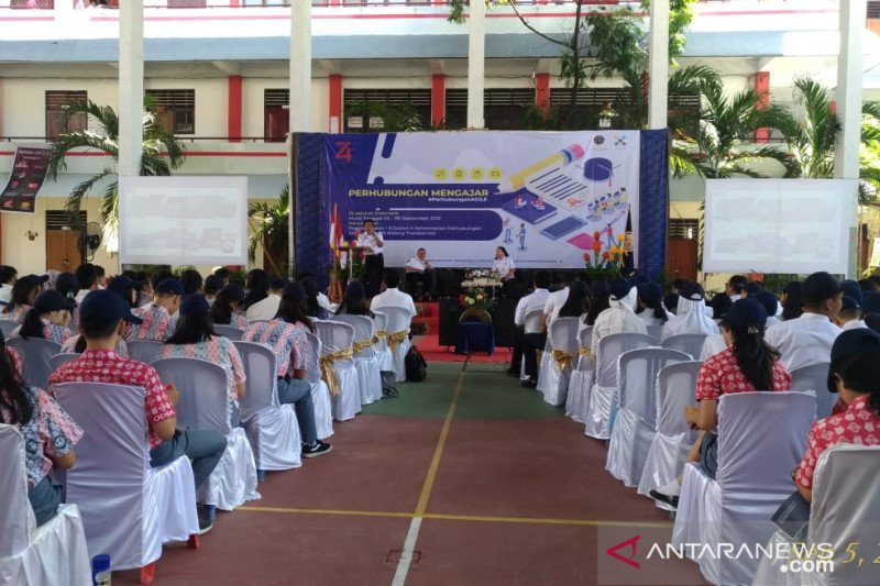 """Kegiatan Nasional """"Perhubungan Mengajar"""" diikuti ratusan siswa SMA di Manado"""