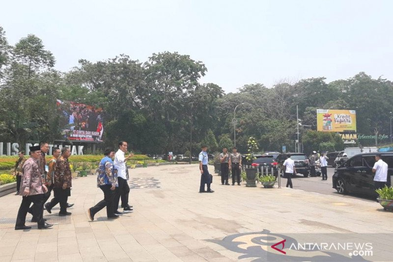 Presiden Joko Widodo komitmen tuntaskan sertifikat tanah rakyat