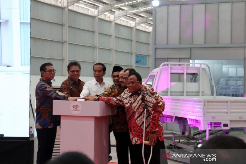 Jokowi mendukung pengembangan otomotif nasional Esemka