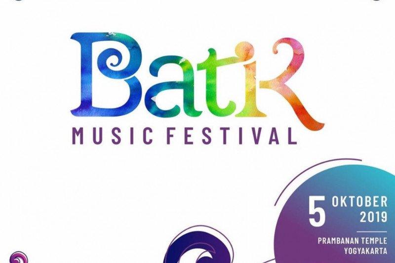 David Foster dan Yovie Widianto beradu kemampuan di Batik Music Festival