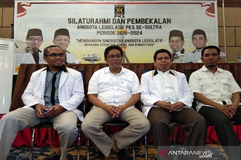 PKS gelar pembekalan anggota legislatif  se-Sultra