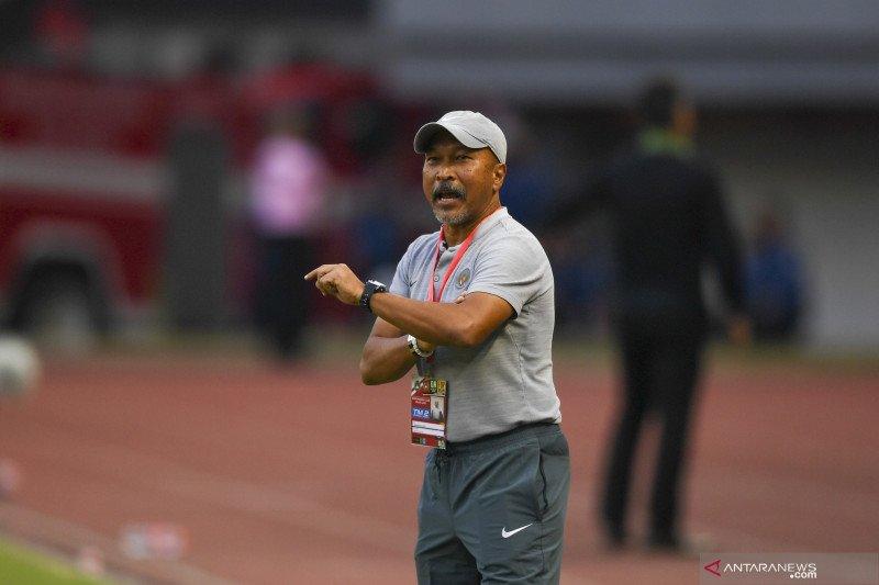 Fakhri Husaini tutup pintu latih klub profesional Indonesia