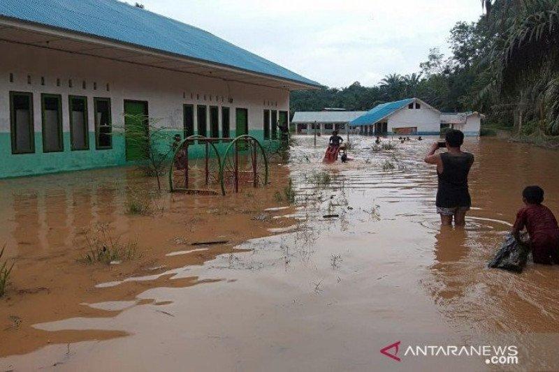 Banjir di Desa Sampuran puluhan rumah warga terendam air