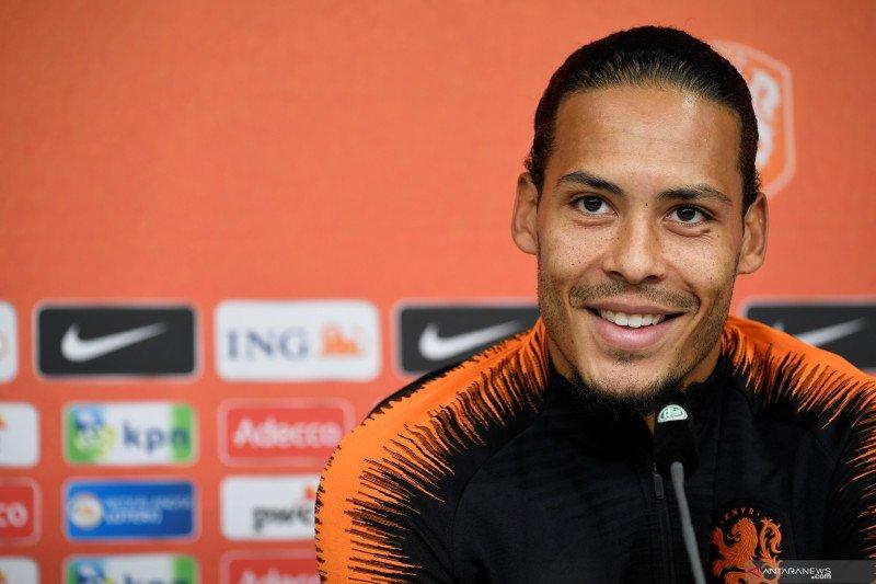 Van Dijk setujui kontrak baru berdurasi enam tahun dengan Liverpool
