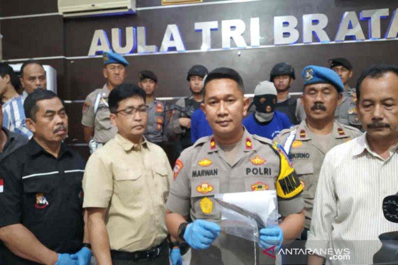 Polresta Cirebon bekuk pelaku penusukan santri